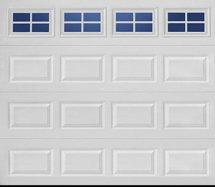 Brama garażowa z przeszkleniem w kolorze białym jest nowoczesna i bardzo stylowa.